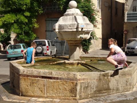 ..... qui ont également bu l'eau de la fontaine.....